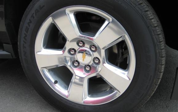 2015 Chevrolet Tahoe - 20-inch wheel