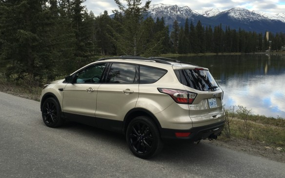 <p>2017 Ford Escape</p>