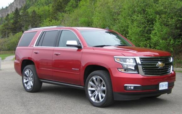 2015 Chevrolet Tahoe -front 3/4 view