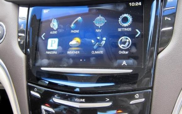 2013 Cadillac XTS - centre console