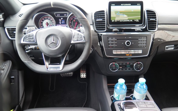 <p>2016 Mercedes-Benz GLE</p>