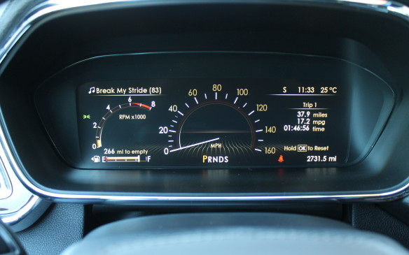 <p><strong>I</strong>f you prefer, you can set the display to a more conventional look of gauges and readouts.</p>
