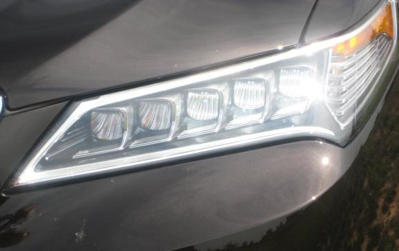 2015 Acura TLX - headlamp detail