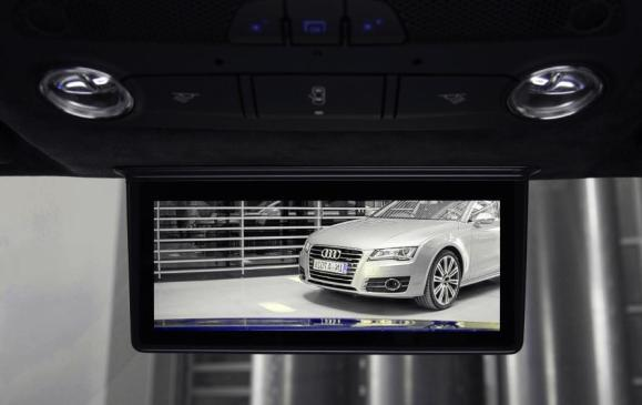 Audi digital rear-view mirror in Audi R8 e-tron