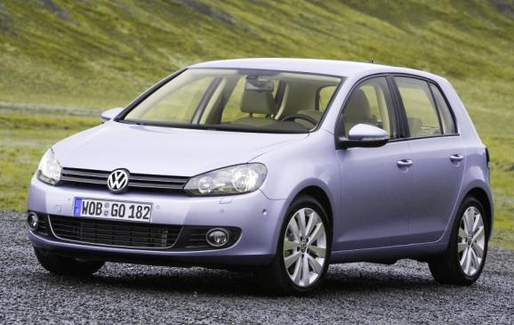 2013 Volkswagen Golf TDI - front 3/4 beauty