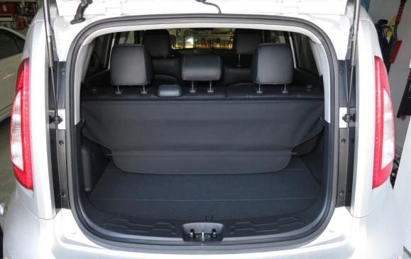 2013 Kia Soul - cargo area rear seatbacks up