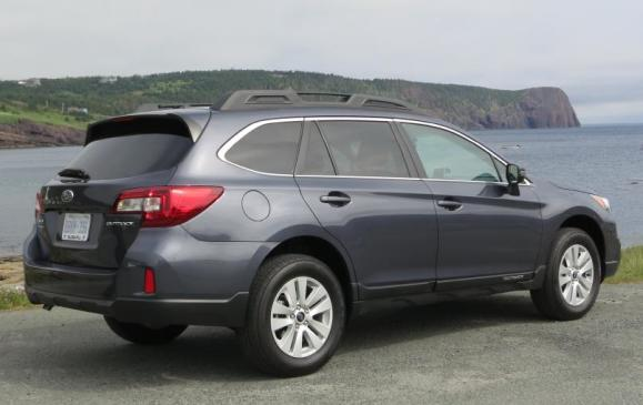 2015 Subaru Outback - rear 3/4 view
