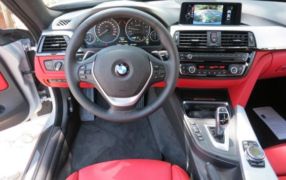 2014 BMW 435i Coupe - steering wheel and instrument panel