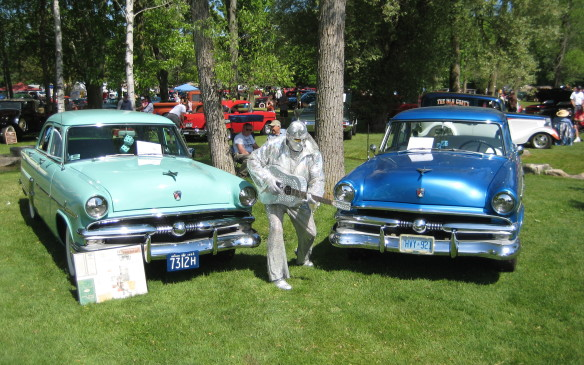 <p>Elvis was on the grounds...with a couple 1953 Fords. From before his Cadillac days we guess.</p>