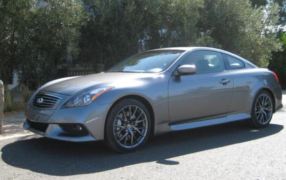 2011 Infiniti G37 IPL Coupe - front 3/4 view low