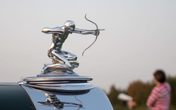 <p>That class also included three prestigious Pierce-Arrows, easily identified by their 'Archer' radiator ornaments.</p>