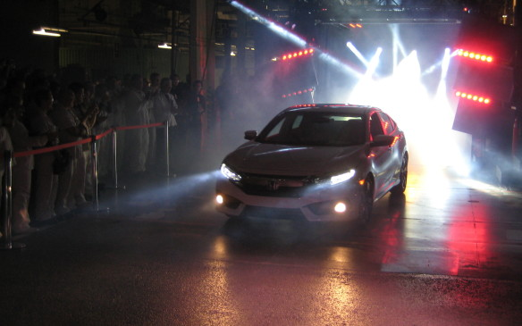 <p>2016 Honda Civic debut at Alliston, Ontario assembly plant</p>