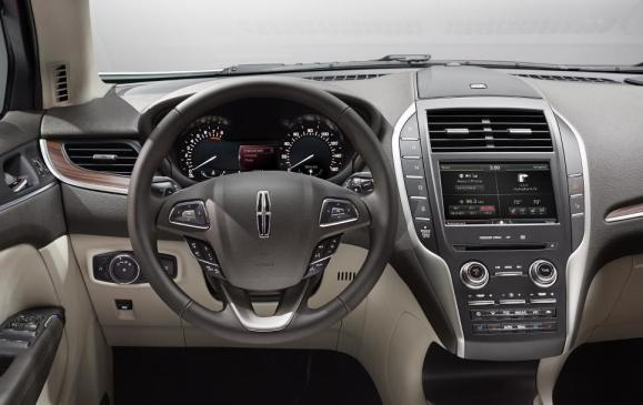 2015 Lincoln MKC - instrument panel driver's view