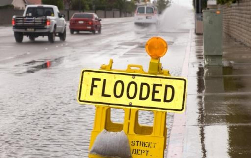 Read Driving Tips What To Do If The Road Is Flooded Autofile Ca