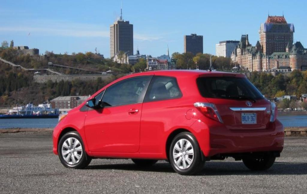 Read Car Review 2012 Toyota Yaris Hatchback Gets A