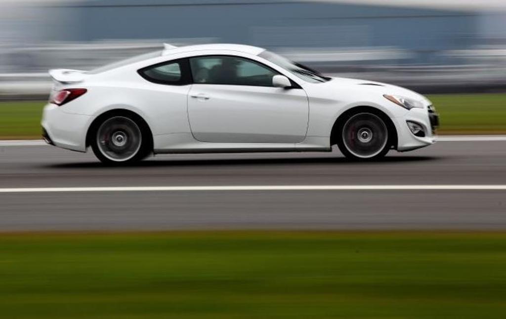 Read Auto News Genesis Coupe To Drop Turbo Four Autofile Ca