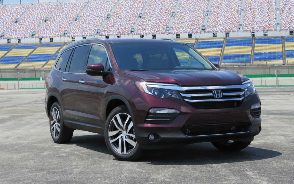 read car review first drive 2016 honda pilot takes a. Black Bedroom Furniture Sets. Home Design Ideas