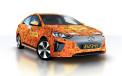 <p>Hyundai Ioniq contactless car</p>