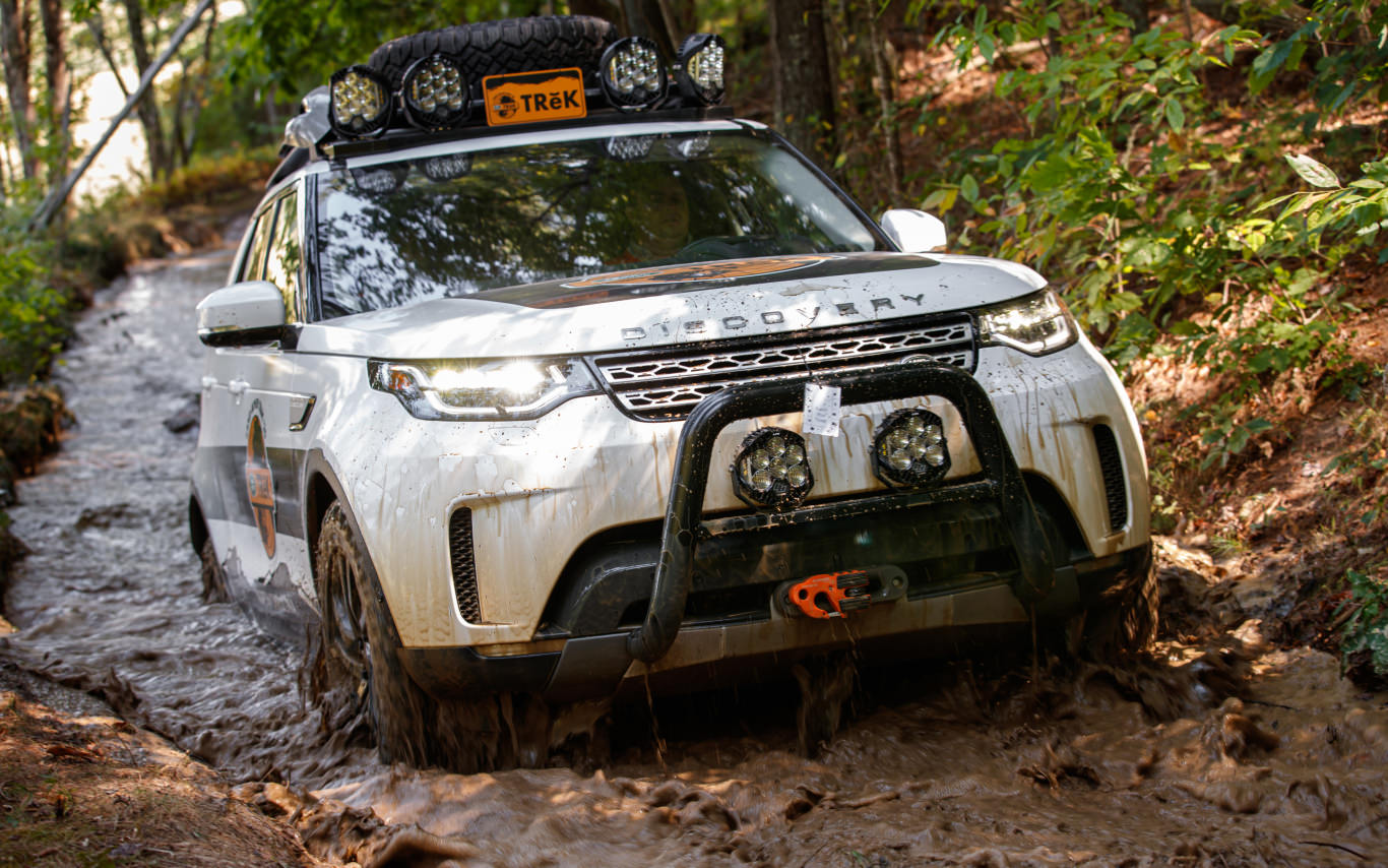 We get to know the Land Rover Discovery the hard way