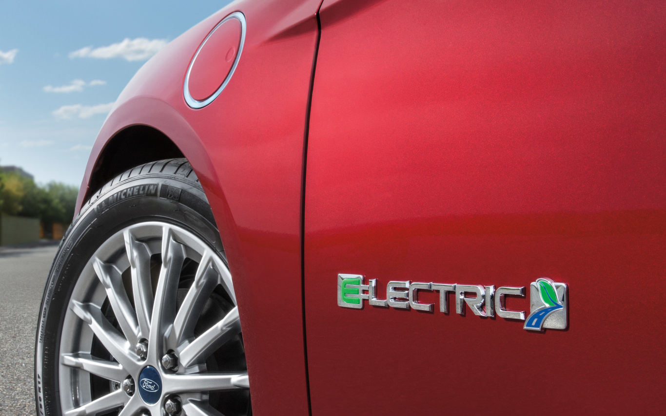 Ford, GM invest $1.2 billion US on EV production