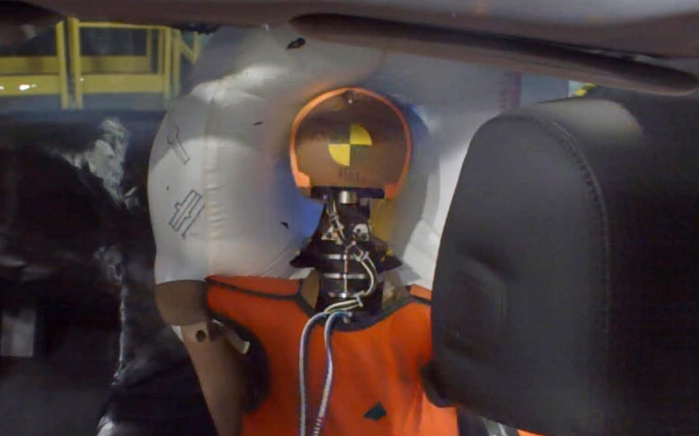Honda builds a better front passenger airbag
