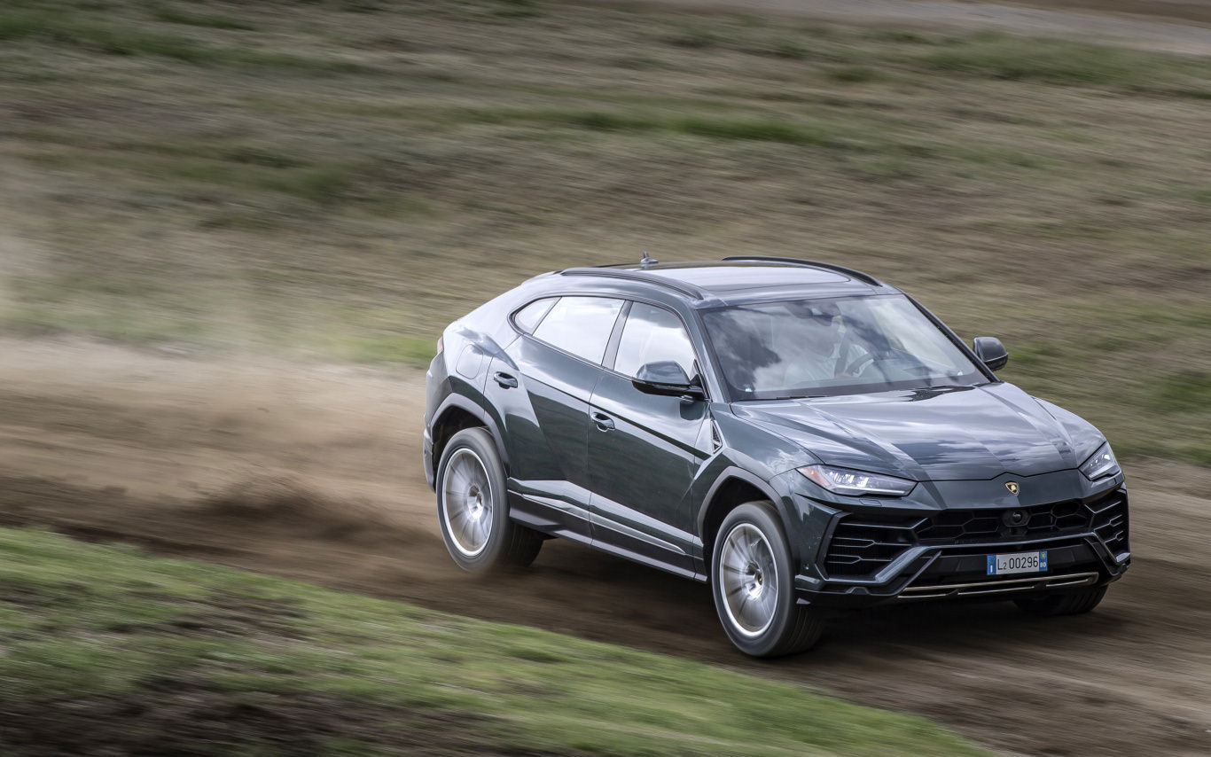 REVIEW: 16 reasons to save up for a Lamborghini Urus