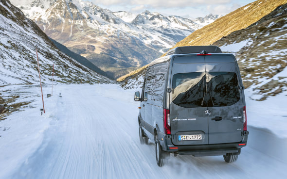 Mercedes-Benz adds better traction to Sprinter 4x4 | Autofile ca