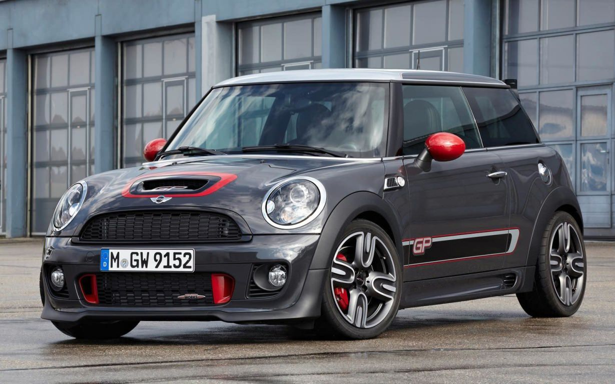 Mini boosts JCW limited edition to 300 hp