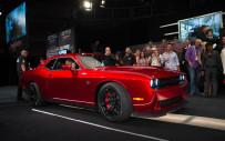 <p>Dodge Challenger SRT Hellcat VIN0001 earns $1.65-million for charity</p>