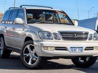 Lexus LX LX470 (4x4) 1999 Price & Specs | CarsGuide