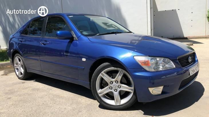 2003 Lexus IS200