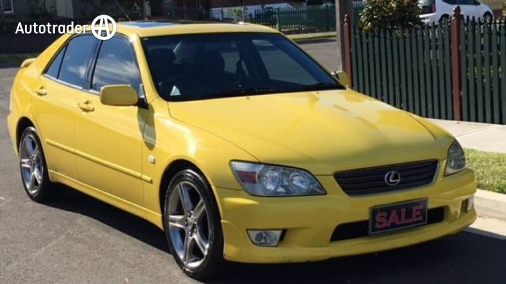 2000 Lexus IS200