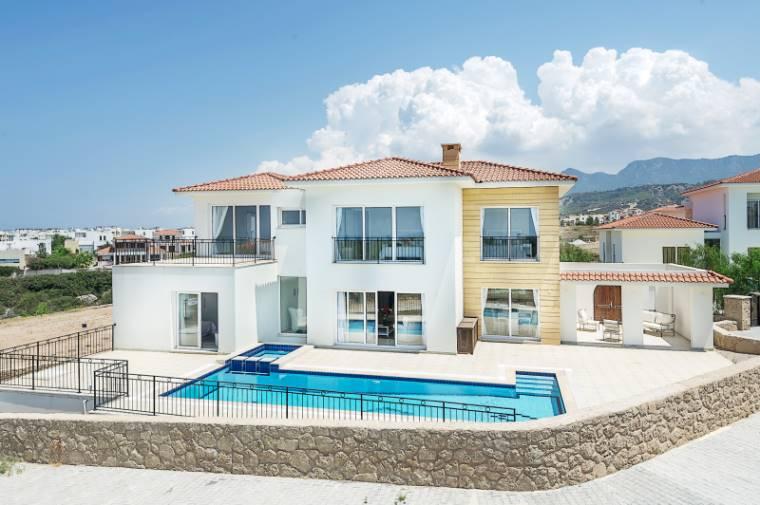 Kuzey Kıbrıs - Girne Esentepe Satılık Villa-Müstakil 960