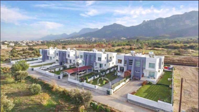 Kuzey Kıbrıs - Girne Karaoğlanoğlu Satılık Villa-Ikiz 2137