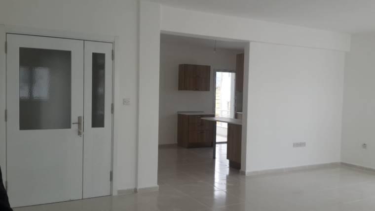 Kuzey Kıbrıs - Girne Dikmen Satılık Apartman Dairesi 2423