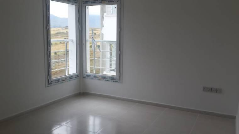 Kuzey Kıbrıs - Girne Dikmen Satılık Apartman Dairesi 2437