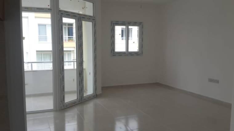 Kuzey Kıbrıs - Girne Dikmen Satılık Apartman Dairesi 2438