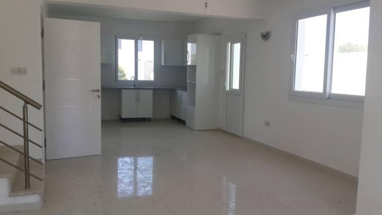 Kuzey Kıbrıs - Girne Alsancak Satılık Villa-Müstakil 2557