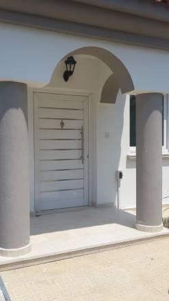 Kuzey Kıbrıs - Girne Alsancak Satılık Villa-Müstakil 2559