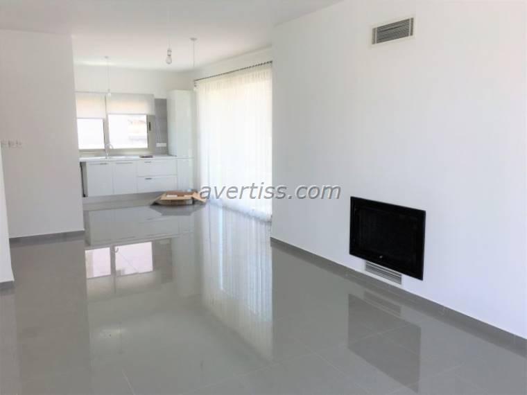 Kuzey Kıbrıs - Girne Alsancak Satılık Villa-Müstakil 2837
