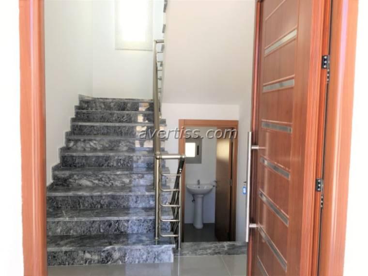 Kuzey Kıbrıs - Girne Alsancak Satılık Villa-Müstakil 2845