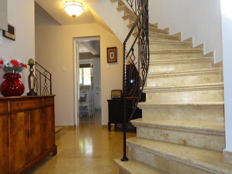 Doğanköy'de Satılık Özel Havuzlu, Bahçeli ve Manzaralı Villa 5198