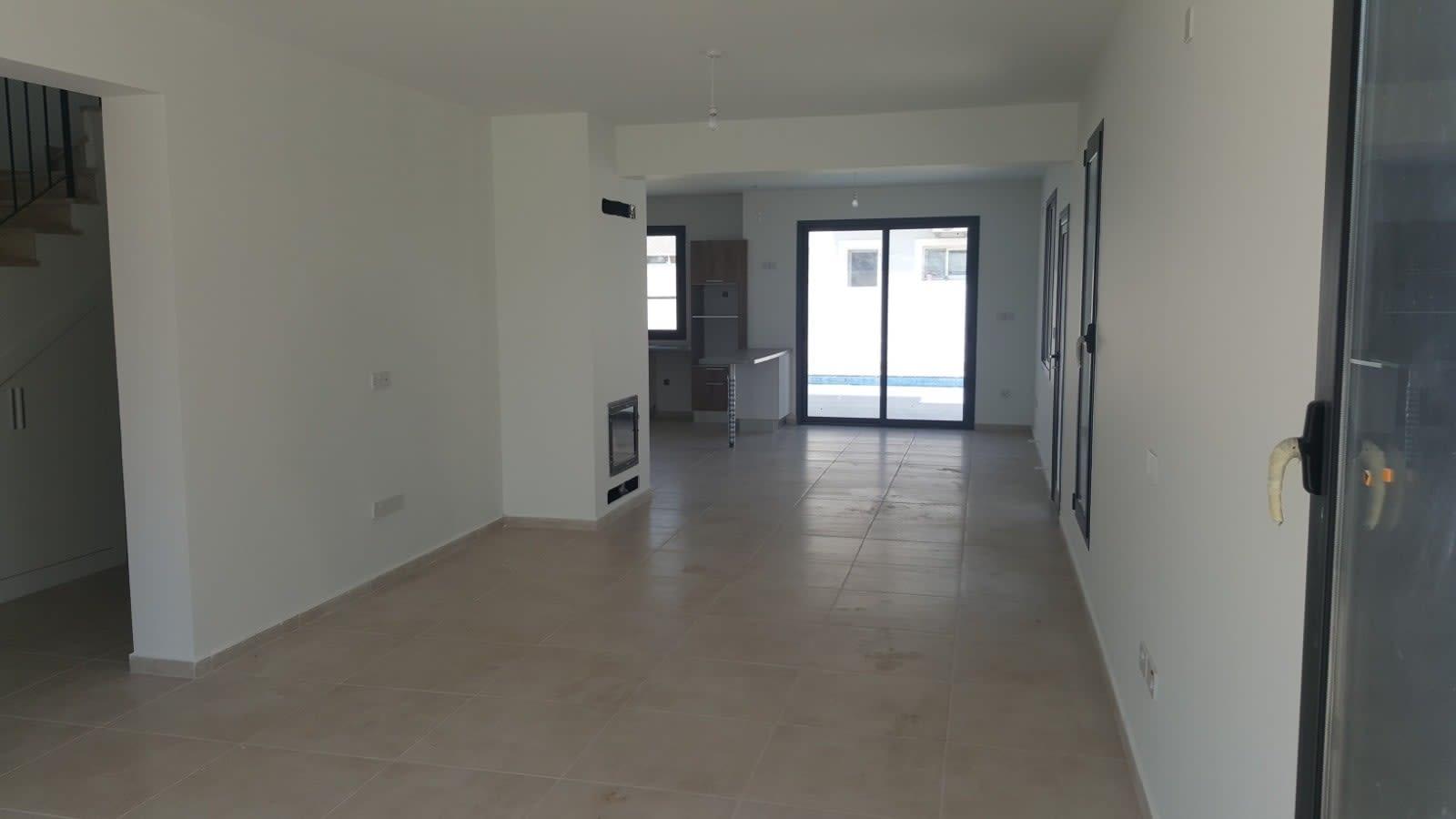Yenikent'te 4 Yatak Odalı Satılık Havuzlu ve Türk Malı Villa 5267
