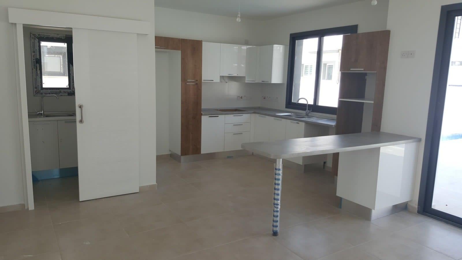 Yenikent'te 4 Yatak Odalı Satılık Havuzlu ve Türk Malı Villa 5269