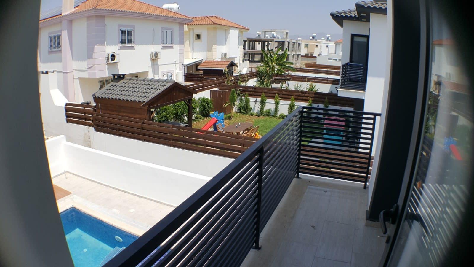 Yenikent'te 4 Yatak Odalı Satılık Havuzlu ve Türk Malı Villa 5279