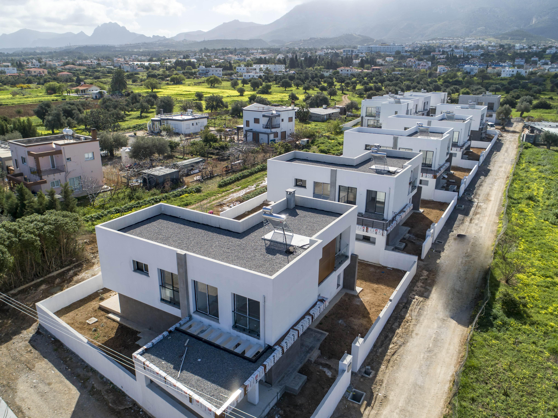 Çatalköy'de Satılık 3 Yatak Odalı Lüks Villalar 7802