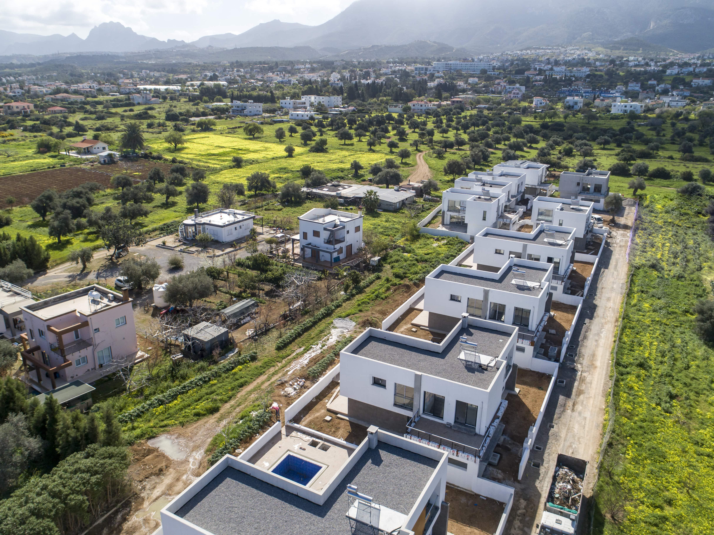 Çatalköy'de Satılık 4 Yatak Odalı ve Özel Havuzlu Lüks Villalar 7946