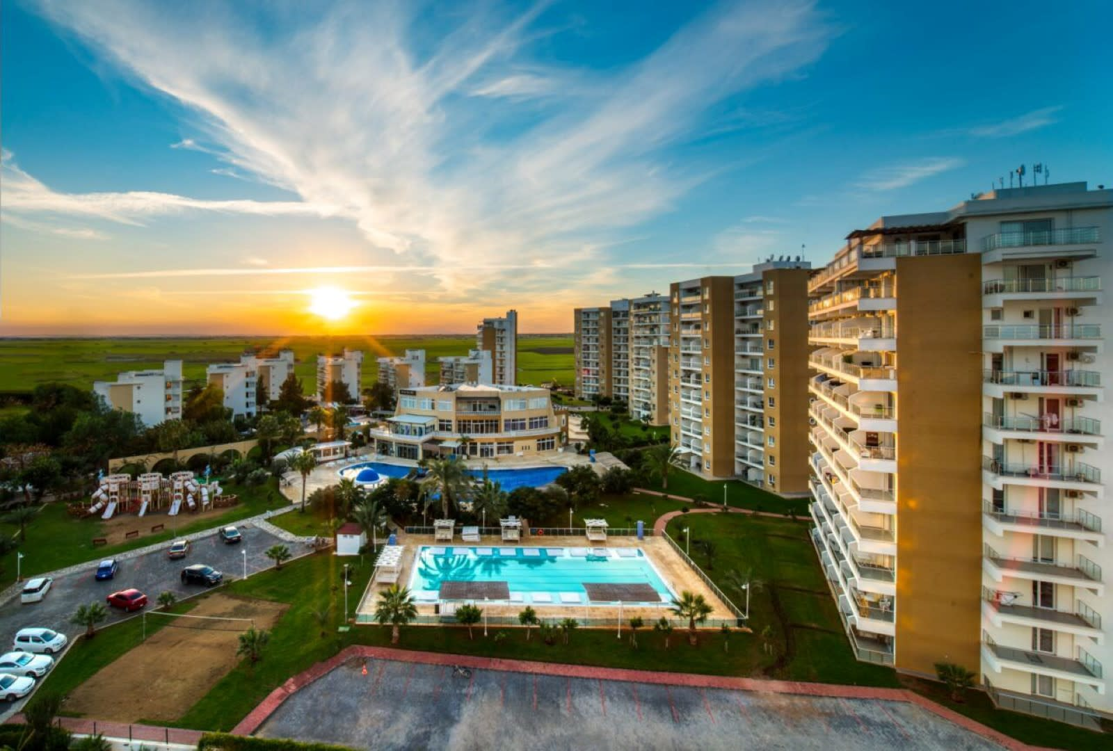 Long Beach İskele'de Lüks Rezidans'ta Satılık 3+1 Penthouse 8053