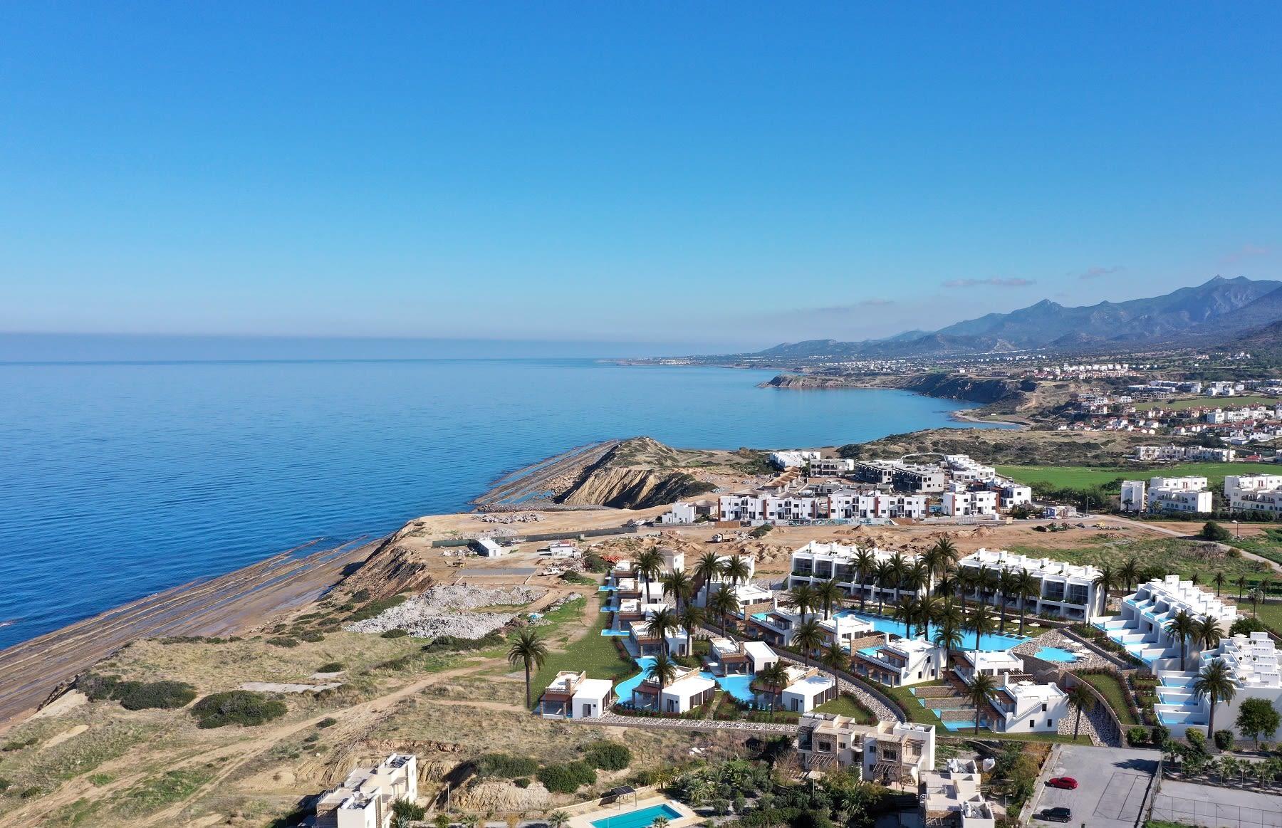 Esentepe'de Marina Üzerinde Satılık 3+1 ve Özel Havuzlu Villalar 8445