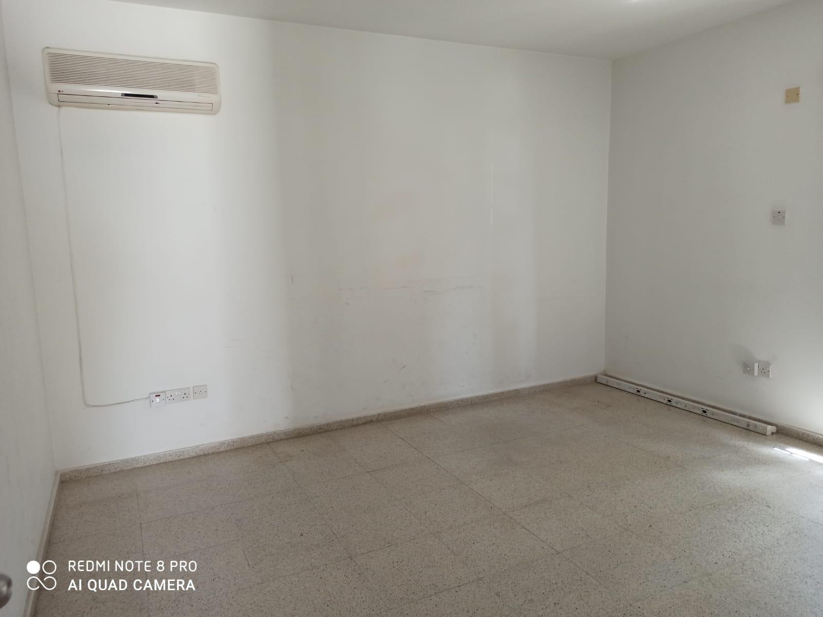 Girne Merkez Mahkemeler Bölgesinde 1+1 Kiralık Ofis  8829
